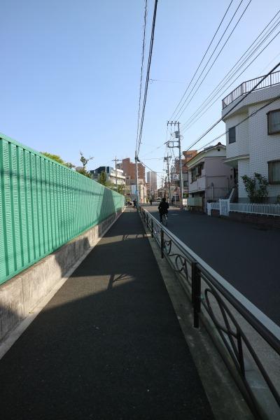 住吉小学校隣接地に整備された歩道