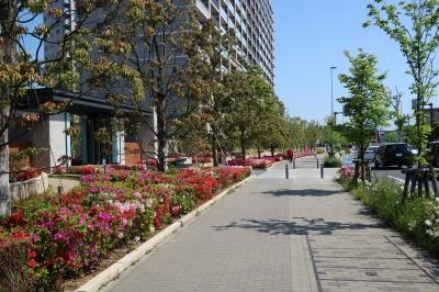 「小倉下町」バス停から降りて、歩く