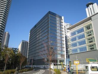 南側から見た(仮称)武蔵小杉新駅前ビル北棟・南棟