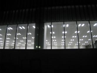 南棟低層部の照明