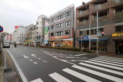 武蔵新城駅前の店舗