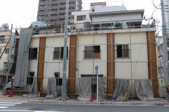 店舗・住戸複合の「忍」の旧建物