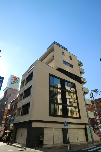 「お好み焼き 忍」の新築ビル「S.N.Bビルディング」
