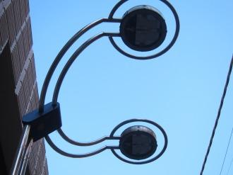 武蔵小杉駅前通り商店街の街路灯(LED化後)