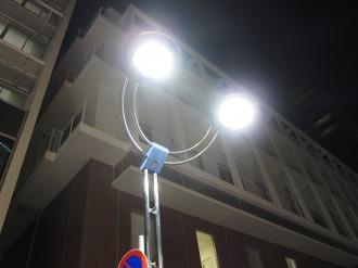 夜間のLED点灯
