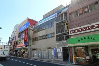 「マルカド」が出店する中村ビル