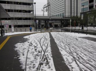 横須賀線武蔵小杉駅ロータリーの雪かきあと