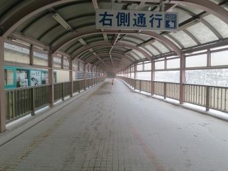 富士通川崎工場への歩道橋