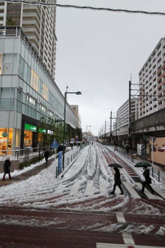 セントア武蔵小杉前の雪景色