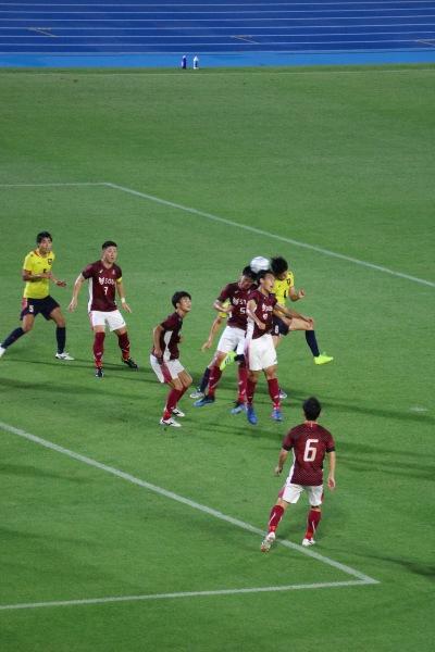 早慶サッカーの攻防