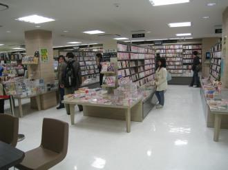 3階 コミック・ライトノベル・参考書・児童書売り場
