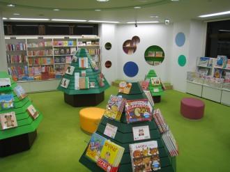 3階 児童書売り場の内部