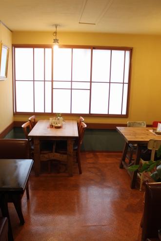 2階の併設カフェ(2013年7月オープン)