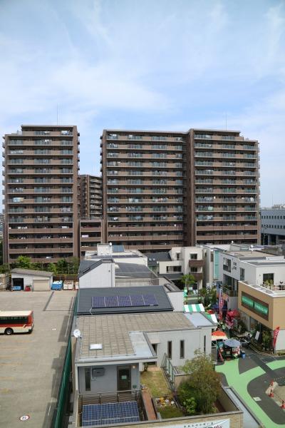 住宅展示場のモデルハウスと「ガーデンティアラ武蔵小杉」