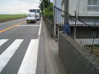視界の悪い横断歩道