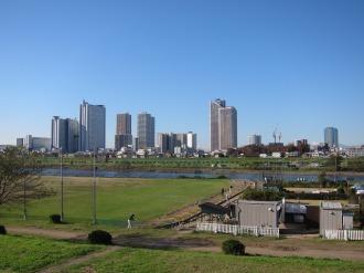 丸子橋寄りから見る高層ビル群