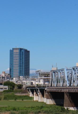 武蔵小杉タワープレイスと、富士山