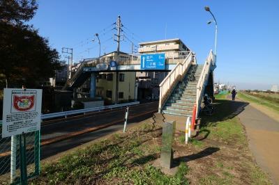 等々力緑地への宮内歩道橋