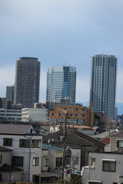 同じく新川崎の高層ビル群