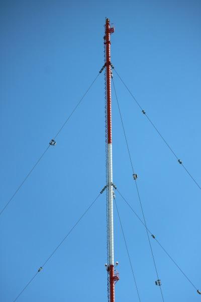 空中送信線の上部