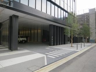 東側の駐車場入口