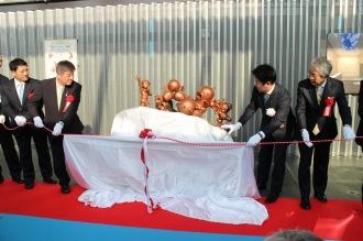 藤子・F・不二雄ミュージアムによるブロンズ像除幕式