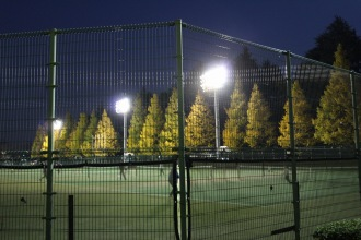 テニスコートの照明