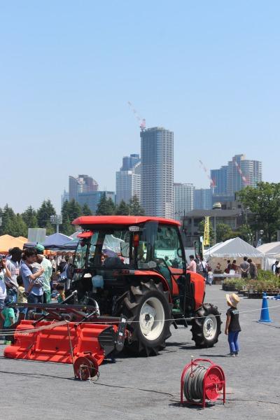トラクターの展示