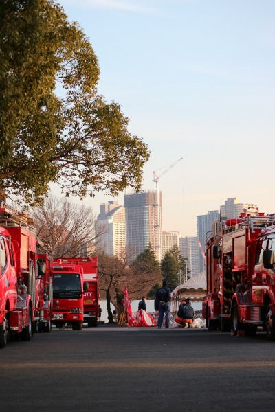 等々力緑地催し物広場に集まった消防車