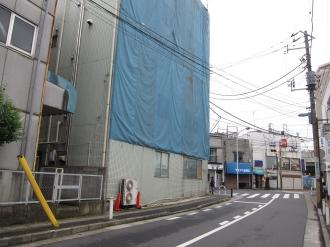 第一工場・第二工場の間から見たY字路