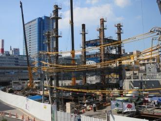 東京機械製作所オフィスビルの建設工事現場