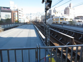 東急武蔵小杉駅上り方面に設置された延長部躯体