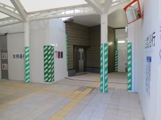 武蔵小杉東急スクエア側の1階乗降口