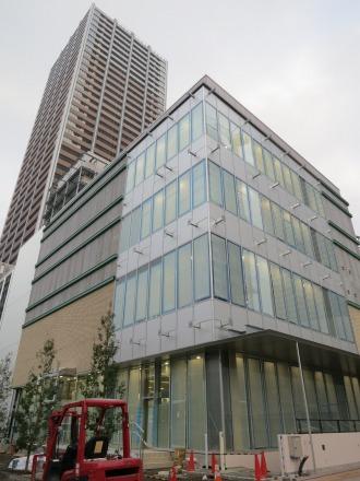 工事が進むエクラスタワー商業施設のアミューズメント棟