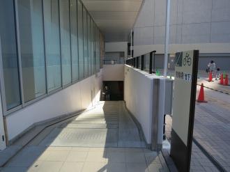 KOSUGI PLAZA前の駐輪場入口