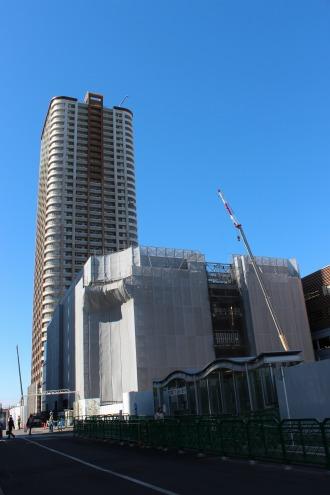 東街区商業施設とパークシティ武蔵小杉ザ・グランドウイングタワー