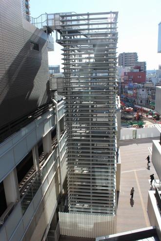 武蔵小杉東急スクエアの非常階段