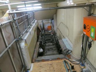 JR武蔵小杉駅北口のエスカレーター取り換え工事