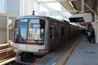 ホームドア未設置の武蔵小杉駅東横線ホーム