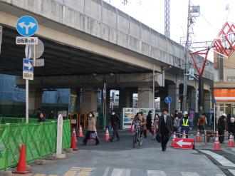 東急武蔵小杉駅南口の高架下