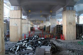 東急武蔵小杉駅南口高架下の店舗新設および駐輪場再整備場所