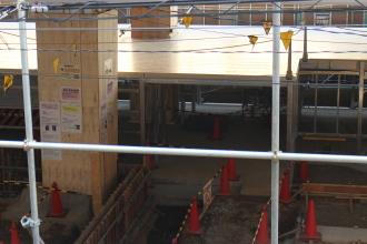工事中の2層構造の駐輪場