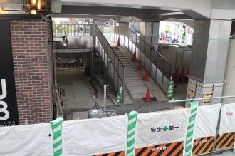 駐輪場への入口