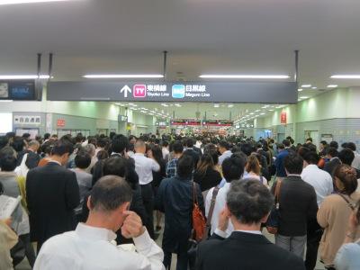 滞留が発生した武蔵小杉駅
