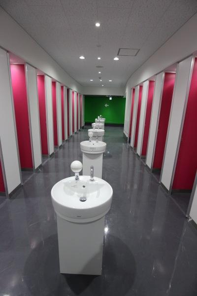 等々力陸上競技場メインスタンドのトイレ