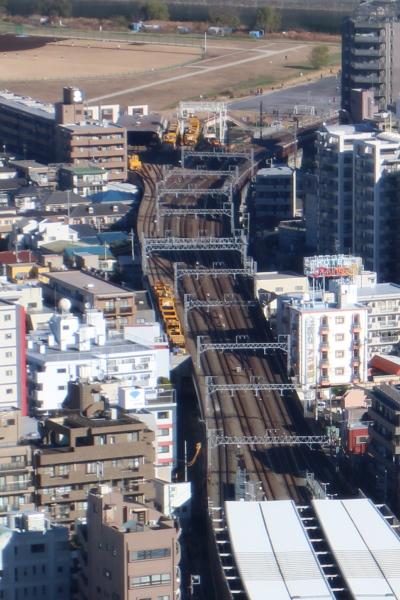エクラスタワー武蔵小杉から見た新丸子保線区