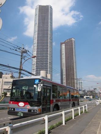 綱島街道を走る東急バス