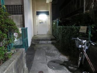 中原図書館の臨時窓口の入口