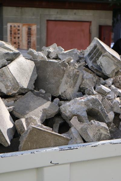 ブロック塀の解体