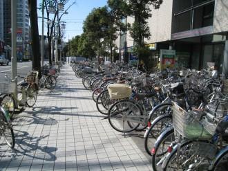 武蔵小杉タワープレイス前広場の駐輪